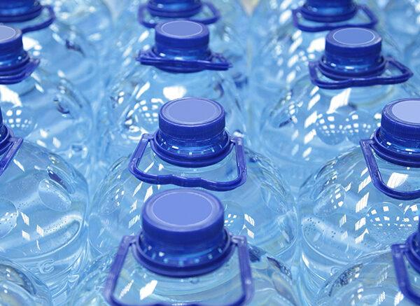 web_830x437_media-bulk-bottled-water (1)